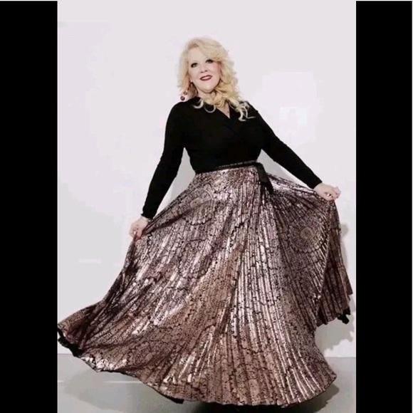 3376e562a83 LuLaRoe DeAnne Wrap Dress Black Gold Foil 2XL 2X